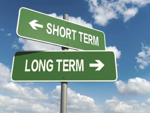 Tại sao đầu tư dài hạn lại mang về nhiều lợi ích hơn đầu tư ngắn hạn?